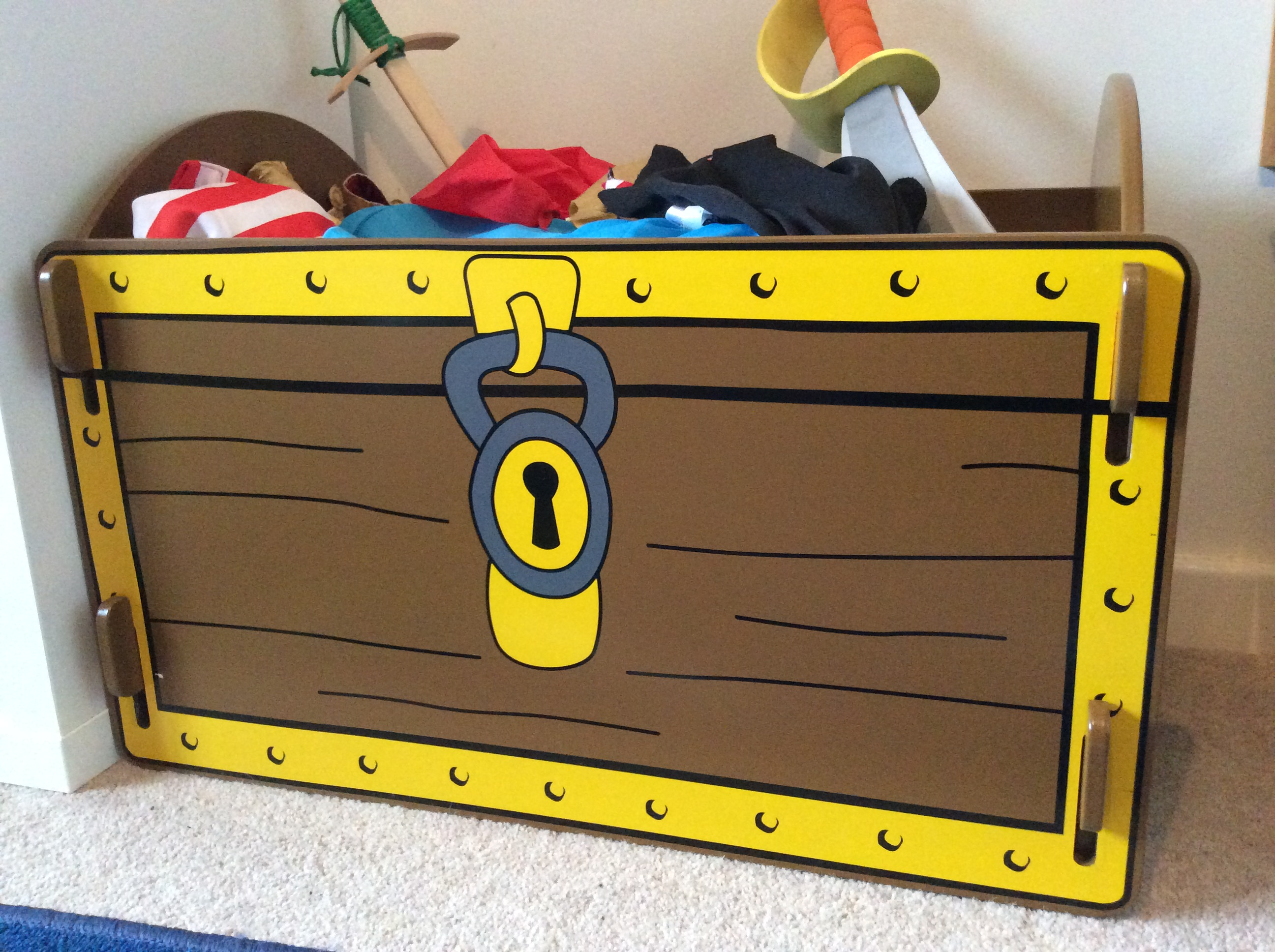 Toy Treasure Chest Beach : Review kidsaw pirate treasure chest toy box hodgepodgedays