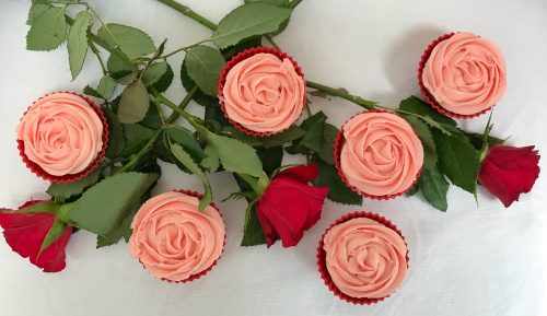 Recipe: Romantic Rose Cupcakes for Valentine's Day