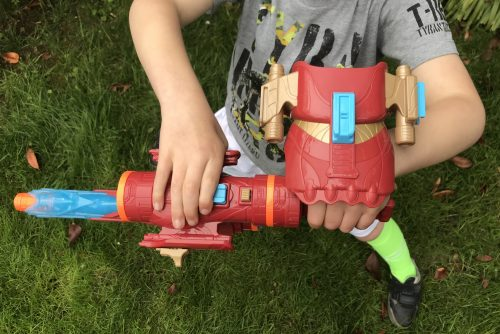 Review: Marvel Avengers: Infinity War Nerf Iron Man Assembler Gear