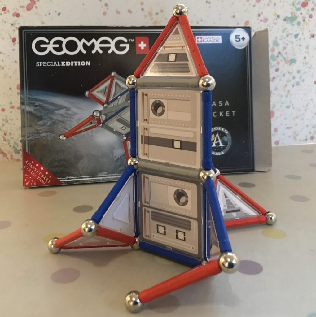 Geomag NASA Rocket and Rover
