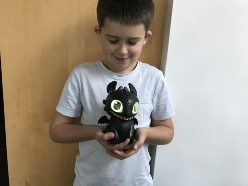 Toy Review: Hatching Dragons Toothless