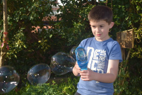 Toy Review: Outdoor fun with Gazillion Bubbles