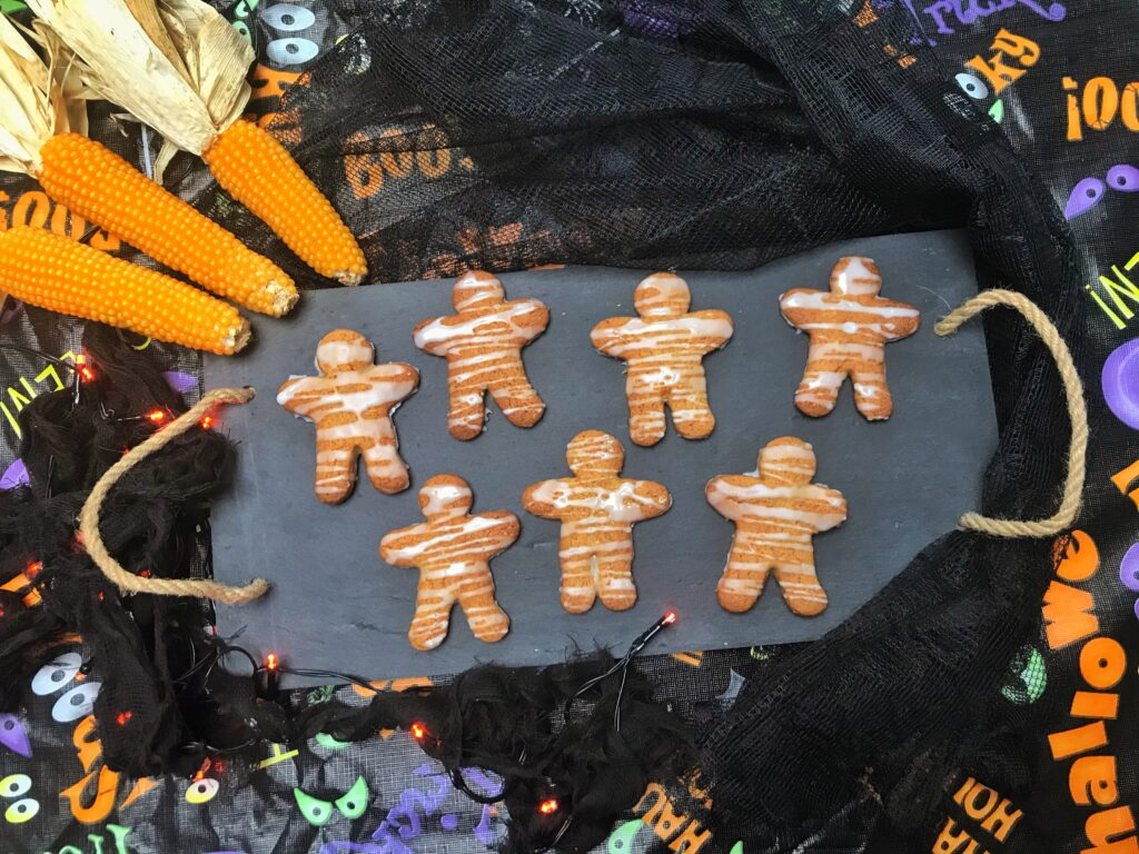 Halloween Recipe: Gingerbread Mummies