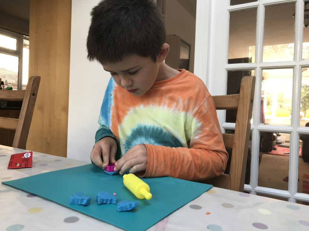 Retro Toy Review: Plasticine fun for creative kids