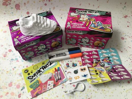 Collectible Craft Kits: Sneak Artz colourable sneakers